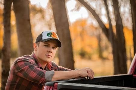 TRAVIS DENNING WILL RELEASE DEBUT EP BEER'S BETTER COLD ON MAY 15 – Nashville Country Club